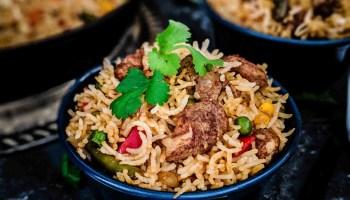 Restaurant Style Chicken Fried Rice Recipe: Fried Rice Recipe in Hindi। चाइनीस फ्राइड राइस कैसे बनाएं?