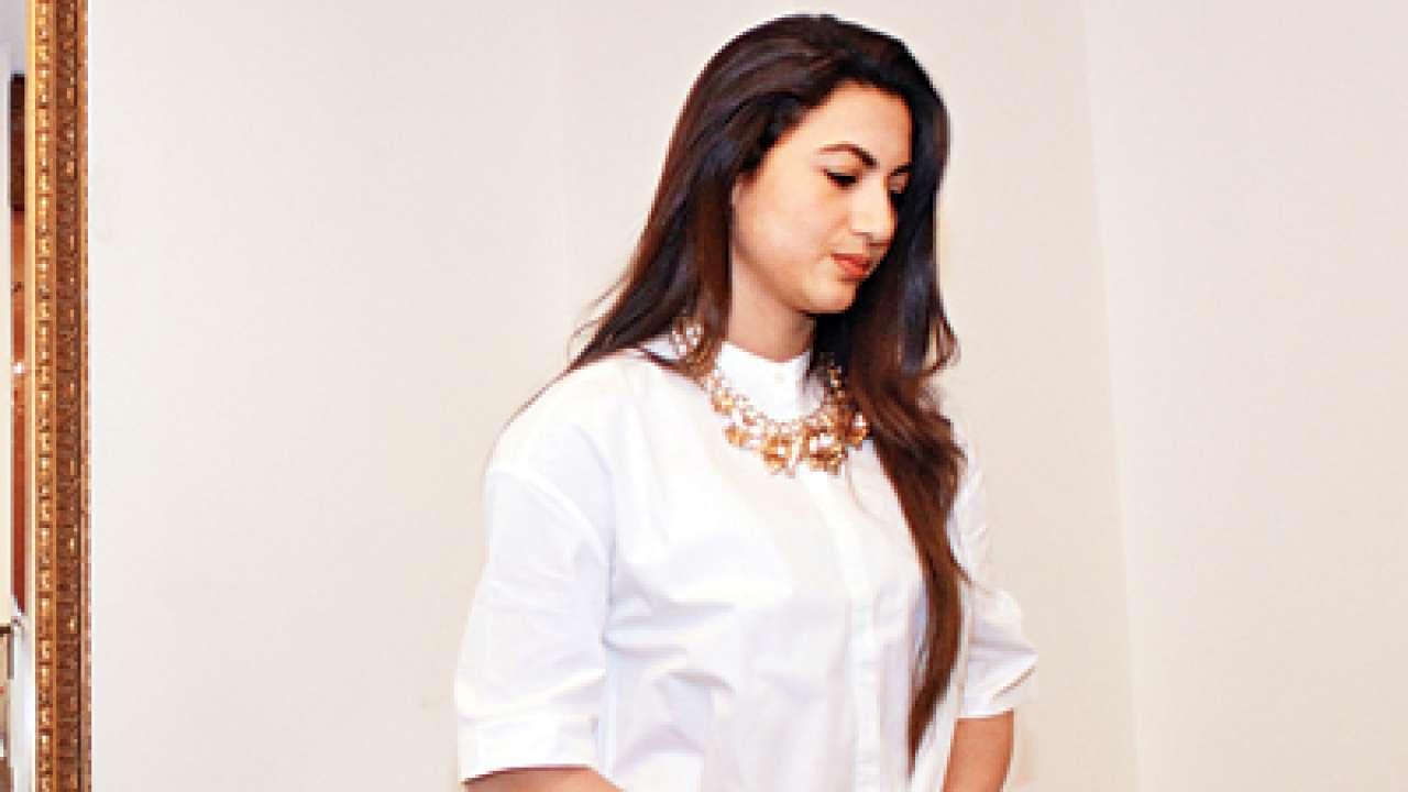 गौहर खान की बढ़ी मुश्किलें, BMC ने एफआयआर की दर्ज, FWICE ने भी अभिनेत्री को किया बैन, जानिए क्या हैं पूरा मामला
