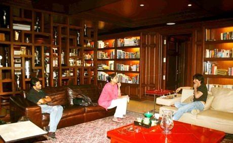 Shahrukh Khan home Mannat in Mumbai
